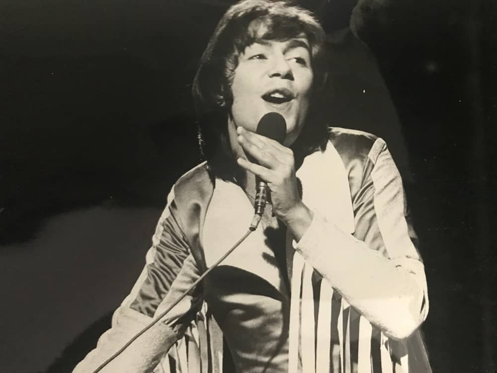 Barry Blue performing Dancin' on a Saturday Night in 1973