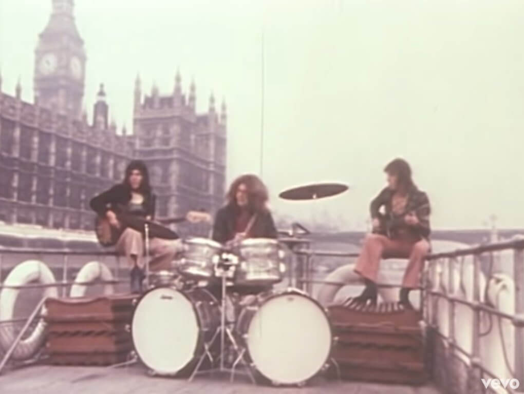 Christie playing Yellow River in London 1970