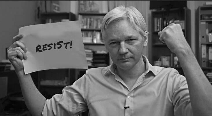 Julian Assange resist message