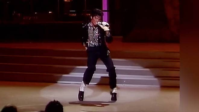 Michael Jackson's first moonwalk at the Grammy Awards in 1983 - © to the owners