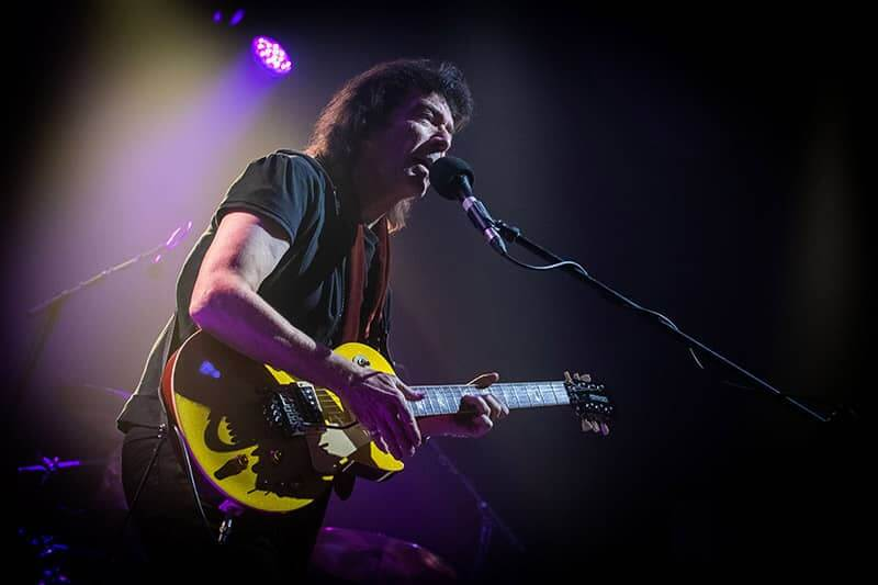 Steve Hackett in Genesis Revisited – Selling England by the Pound 2019 Tour in Phoenix, AZ, USA, by Scott Saldigner ©